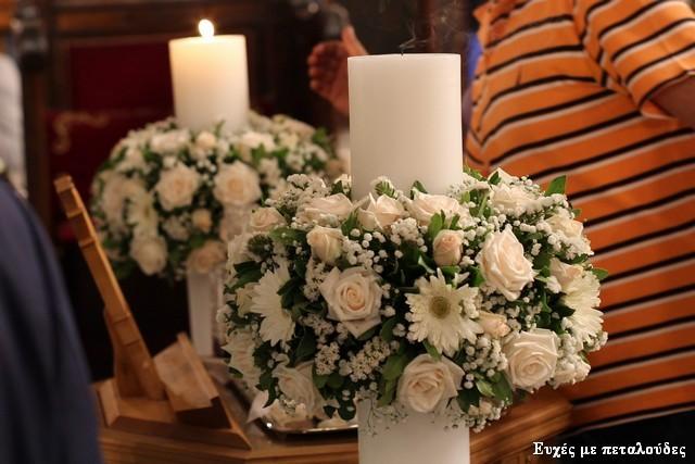 0007 Λαμπάδες γάμου με τριαντάφυλλα vendela ,ζέρμπερες, γυψόφυλλο