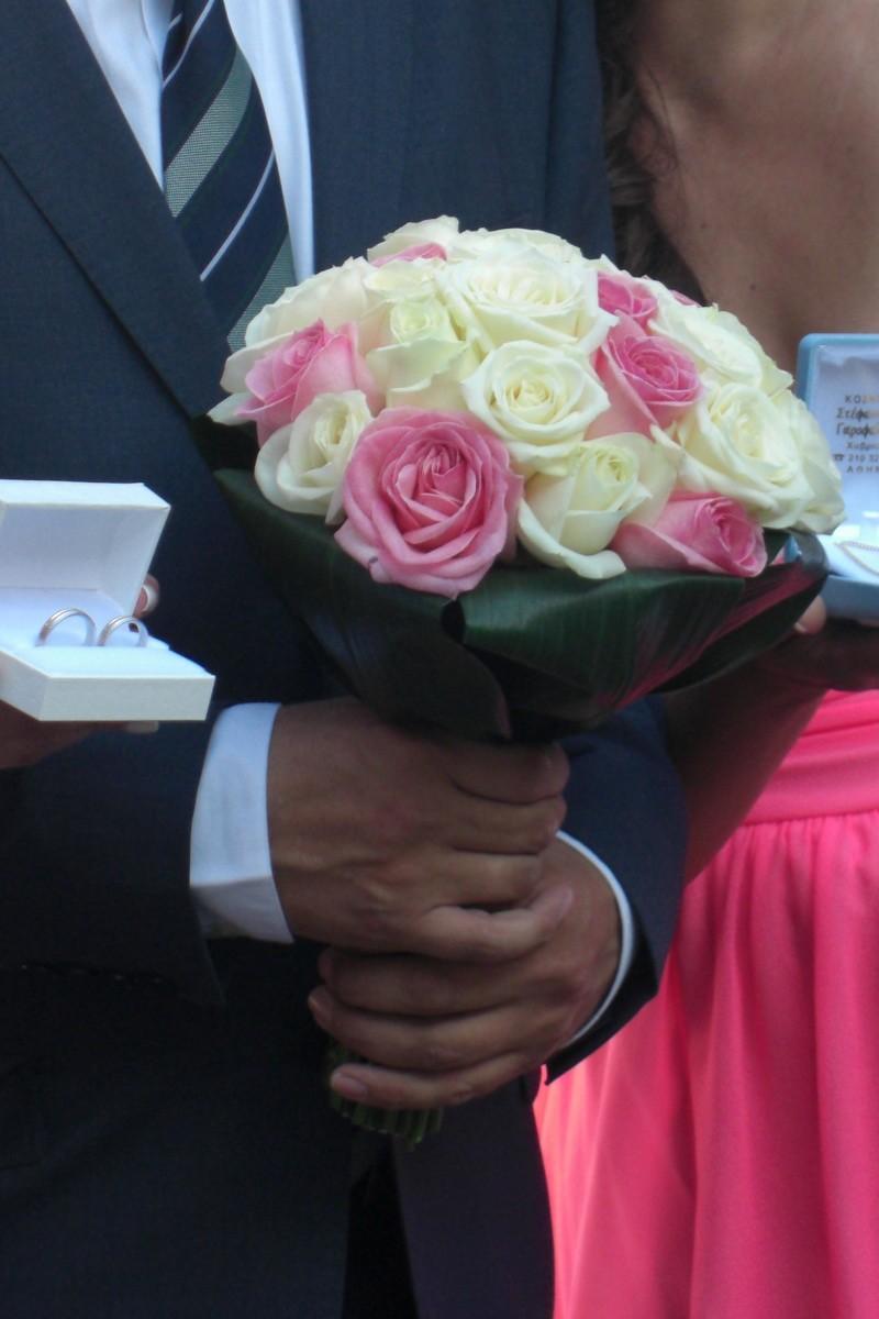 στολισμός-γάμου-420-ευρώ: νυφική ανθοδέσμη